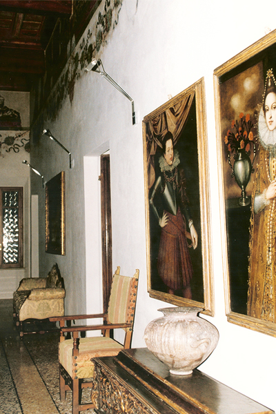 02-restauro-architettonico-mantova-via-chiassi-sala-affreschi