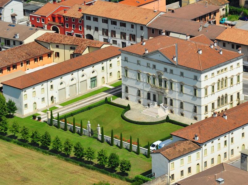 01_villa-vecelli-cavriani-mozzecane-progettazione-arredo-sale-camere