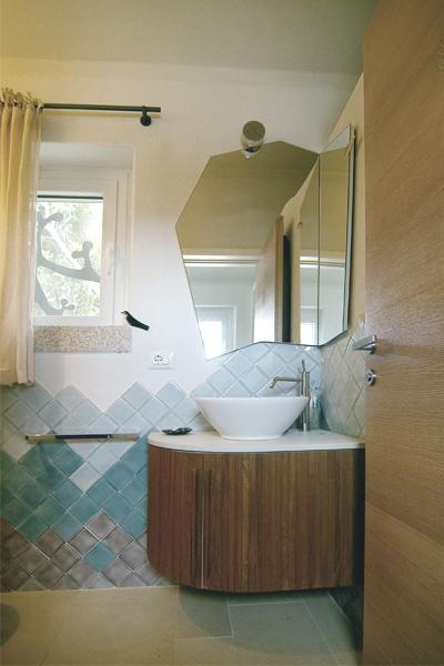 09-progettazione-arredamento-villa-mare-stazzo-bagno-architetti-mantova