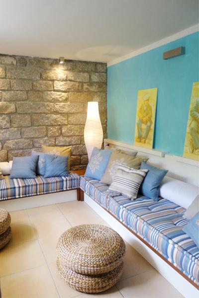 10-progettazione-arredamento-villa-mare-stazzo-soggiorno-architetti-mantova
