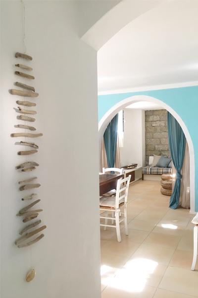 12-progettazione-arredamento-villa-mare-stazzo-soggiorno-architetti-mantova